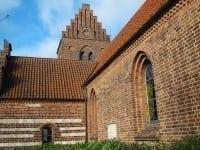 Gentofte Kirke fra kirkegården