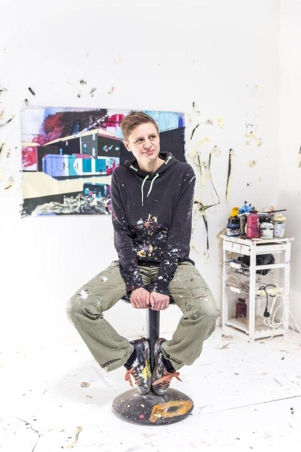 En lokal kunstner udstiller på Galleri Christoffer Egelund