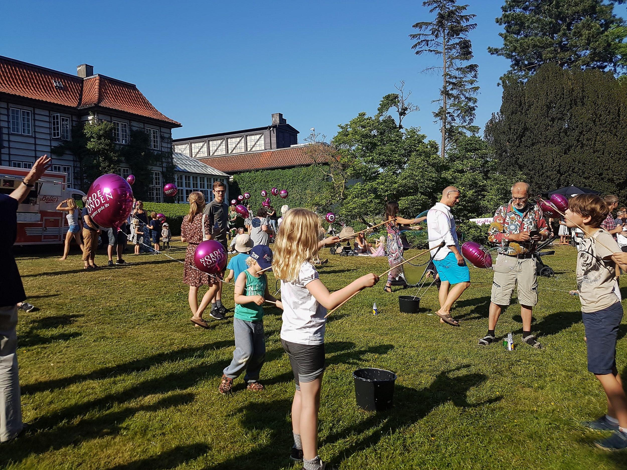 Gratis lysworkhop for børn i Ordrupgaards park