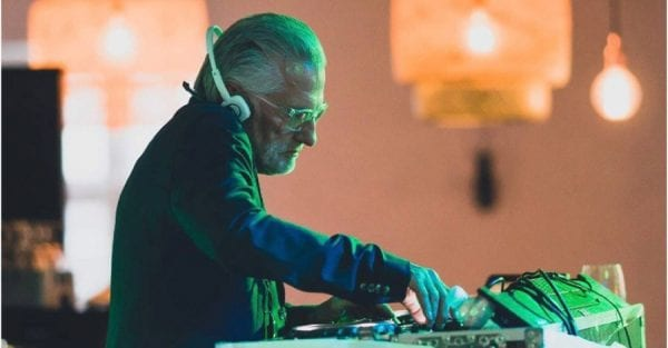 Fredagsbar med DJ GREY (aka Morten Brask)