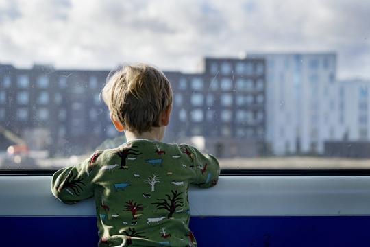 Sommerferie i brudte familier: Gode råd til at undgå konflikt