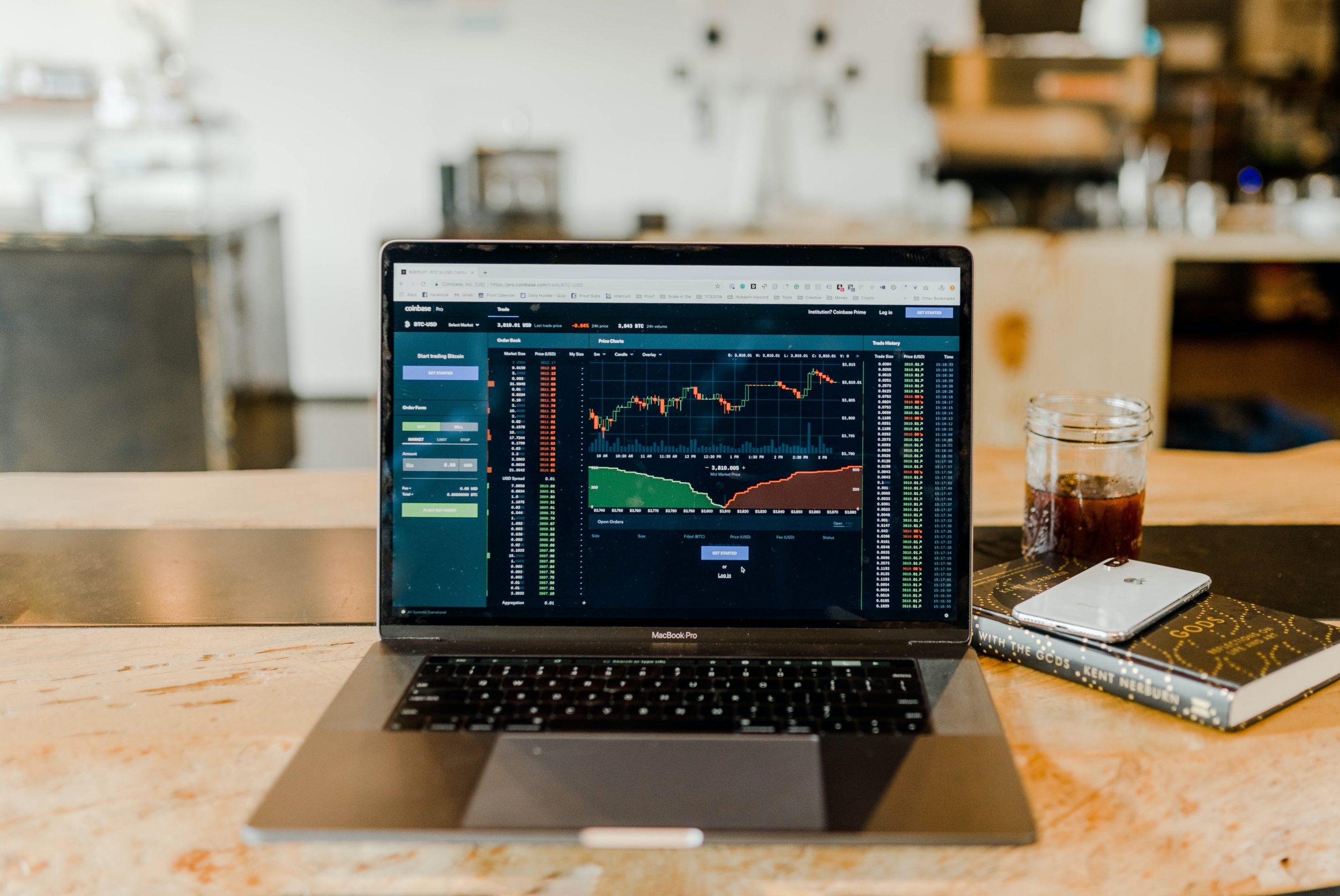 Kom nemt i gang med at investere med en aktiesparekonto